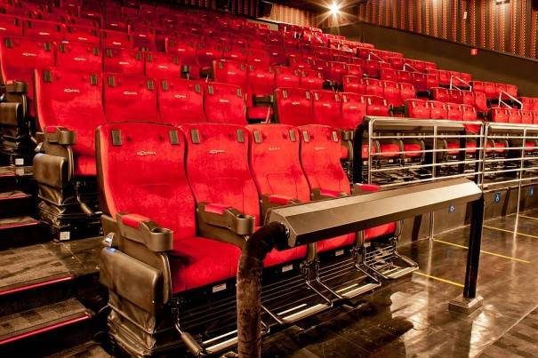 Sala de cinema 4dx chega ao brasil alpha fiction for Sala 4dx opiniones